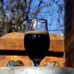 BorDée Brune dans un verre à bière