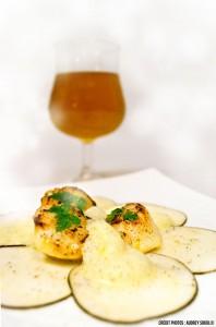 Saint-Jacques rôties et radis noir à la bière