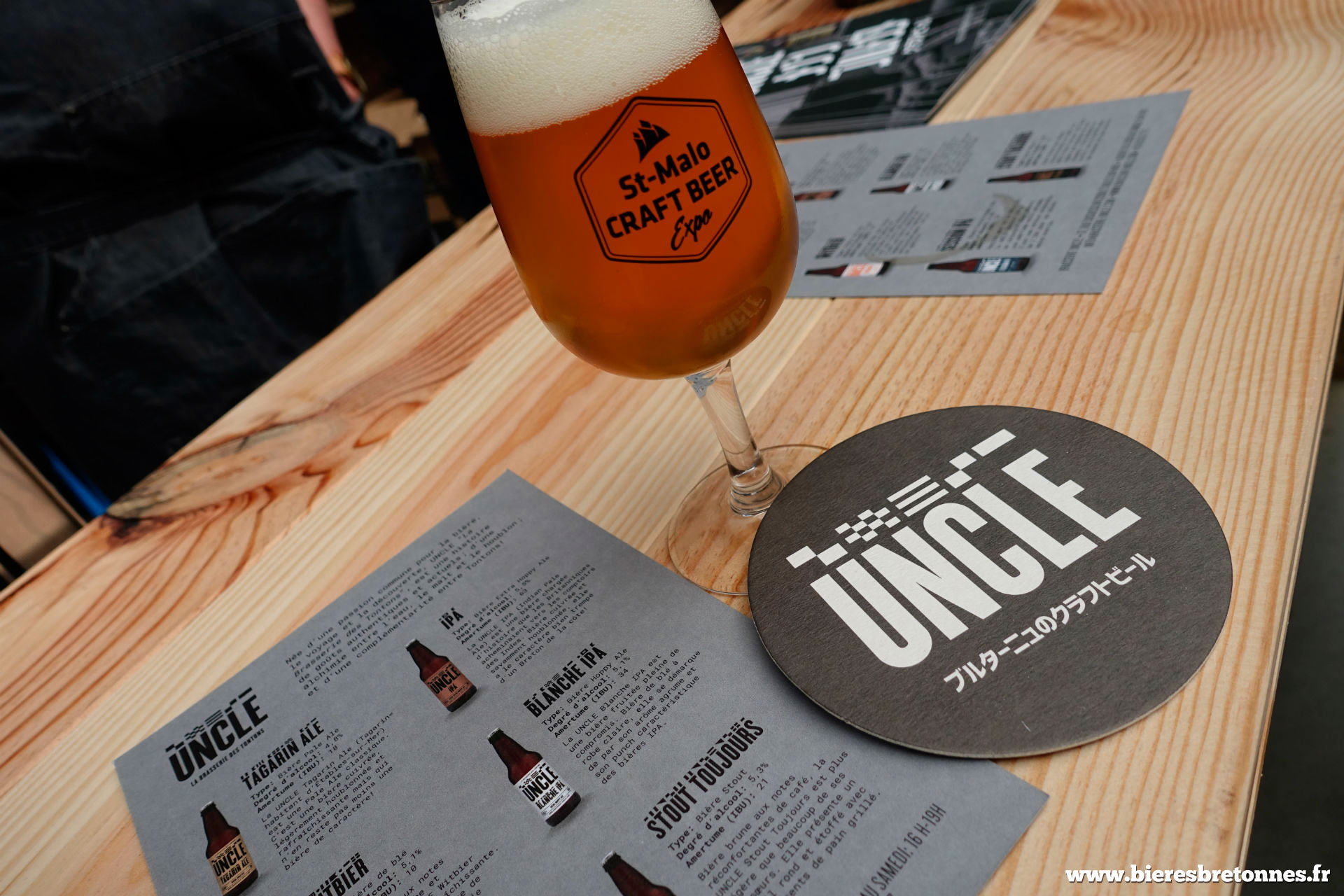 Dégustation d'une bière UNCLE : très agréable !